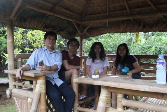 Hibiscus Garden Inn: fresh air bahay kubo