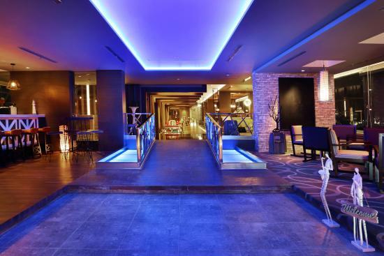 Seventeen Skyview Resto & Lounge