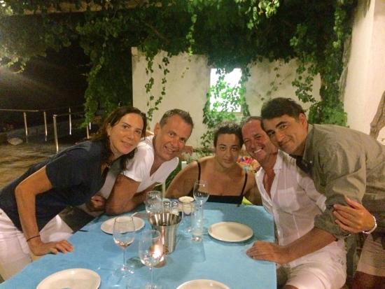 Diner entre amis foto di ostria moutsouna tripadvisor for Dinner entre amis