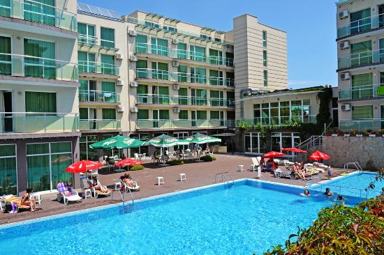 Clara Hotel