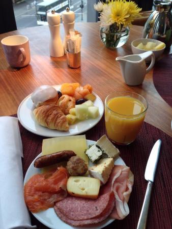 โรงแรมสวิสโอเต็ล เบอร์ลิน: Завтрак
