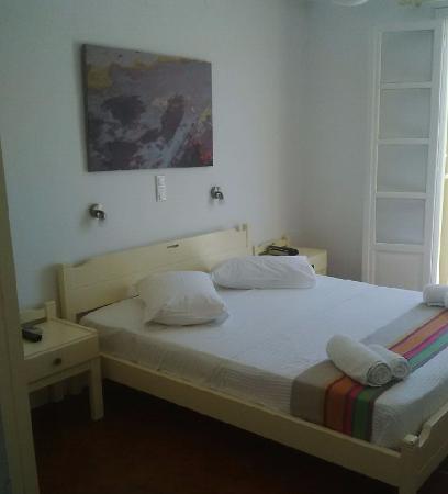 Akrotiri Hotel : Notre chambre