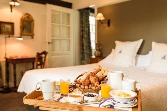 Hôtel-Restaurant Arraya : petit déjeuner