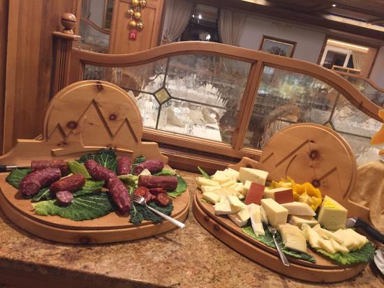 Tesero, Italia: ristorante buffet
