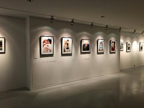Ruarts Contemporary Art Gallery