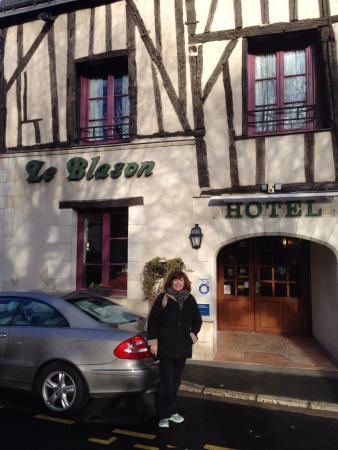 Hotel Le Blason: Front of hotel