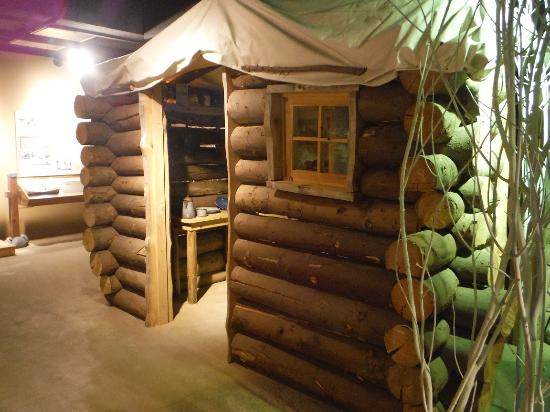 Klondike Gold Rush National Historical Park: Replica Of A Log Cabin.