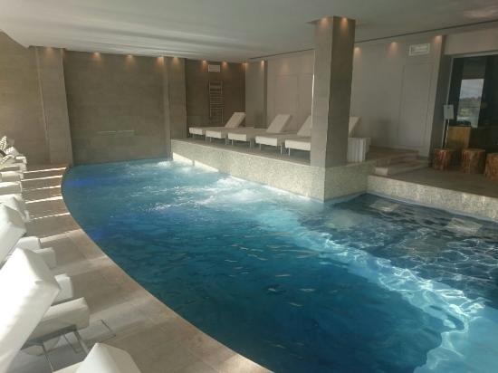 Hotel sirmione con piscina coperta casamia idea di immagine - Hotel con piscina coperta ...
