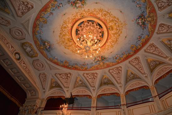 Teatro Leopardi