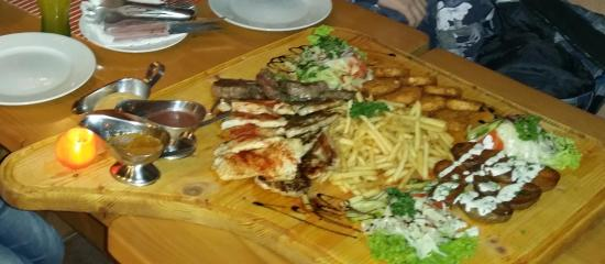 Hotel Kupec : Mixed grill 4 pers
