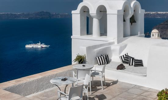 Aigialos Hotel: Authentic Santorinià Residences terrace