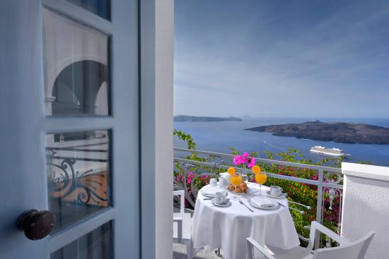 Aigialos Hotel: Breakfast at your balcony