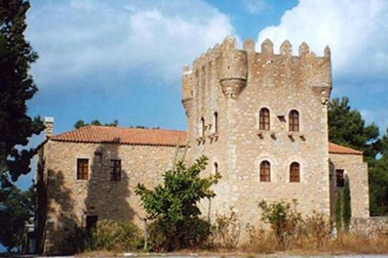 Historical and Ethnological Museum of Mani: Tzanetakis tower, Gythio (Kranae islet)