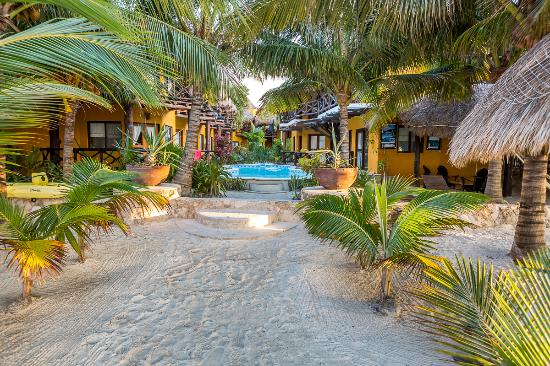 Holbox Dream Beach Front Hotel by Xperience Hotels: Front Beach Hotel Entrance