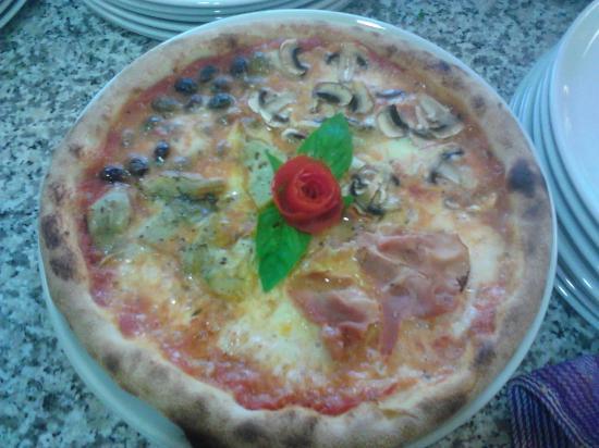 Cambiano, Włochy: Pizza