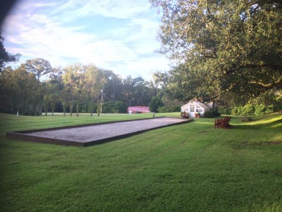 Dunleith: grand parc avec terrain de boules