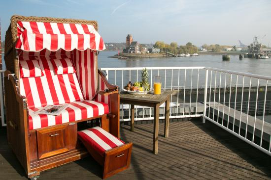 kleines feines hotel direkt an der elbe hotel am. Black Bedroom Furniture Sets. Home Design Ideas