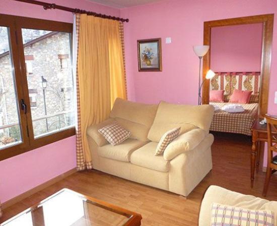 Photo of Apartaments Sant Bernat Canillo