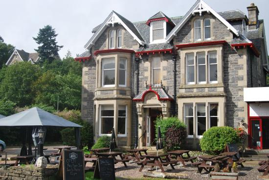 The Scot House Hotel and Restaurant: Front of hotel