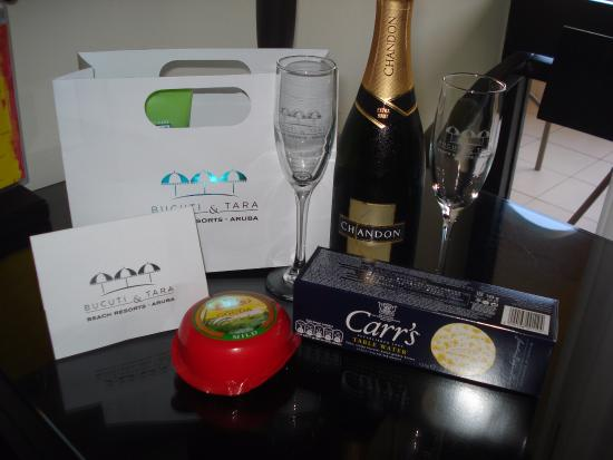 Bucuti & Tara Beach Resort Aruba: We spend our Anniversary here and they left a wonderful surprise for us!