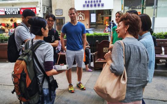 Walk in Hong Kong-Day Tour