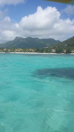 Beachcomber Dinarobin Hotel Golf & Spa: i colori del mare