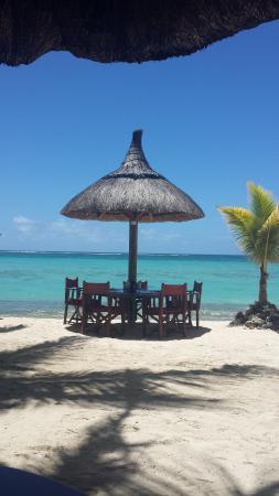Beachcomber Dinarobin Hotel Golf & Spa: dettaglio del ristorante sulla spiaggia