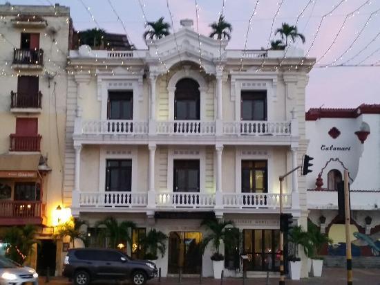 Hotel Monterrey: 20160108_180815_large.jpg