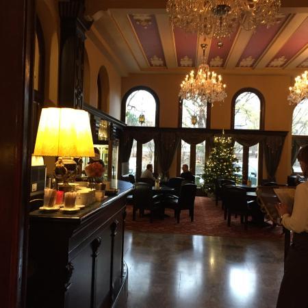 Hotel Esplanade Prague: Dining area/bar