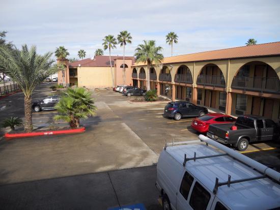 Super 8 by Wyndham Houston/Nasa/Webster Area: Вид на внутренний двор