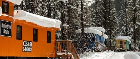 Essex, Монтана: Restored cabins are wonderful hotel rooms.