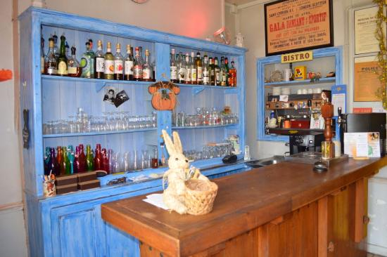 Saint-Cyprien, Frankrike: le bar