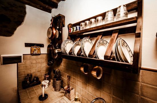 Tosi, Italien: dettagli cucina