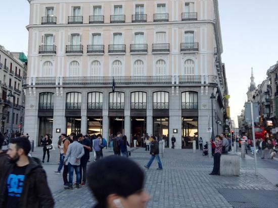 Puerta del sol fotograf a de puerta del sol madrid for Puerta 23 bernabeu