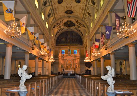 St. Louis Cathedral: Interior facing alter