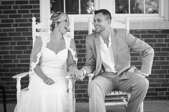 Versailles, KY: Beautiful couple getting married at The Woodford Inn