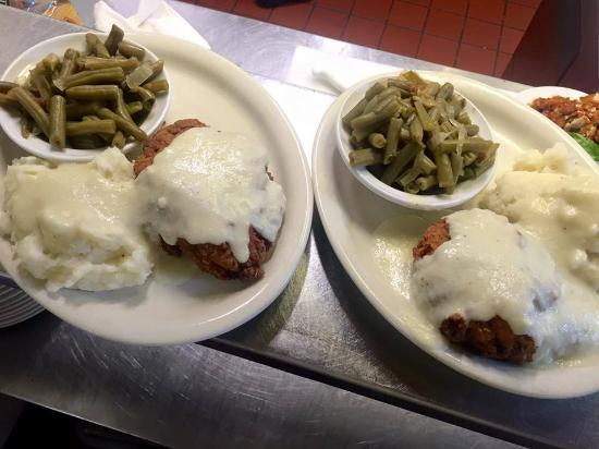The Woodford Inn : Customer favorite! Addie's Chicken Fried Chicken!