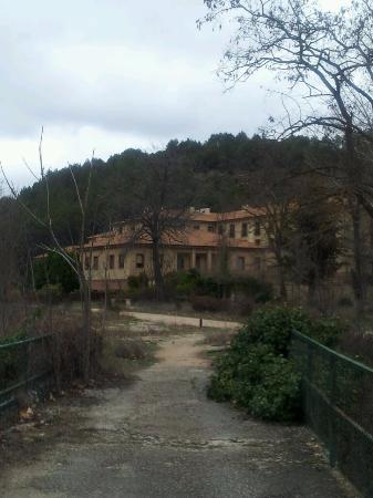 Trillo, Spania: Vista del balneario desde el río Tajo