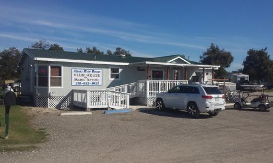 Von Ormy, TX: Alamo River RV Resort