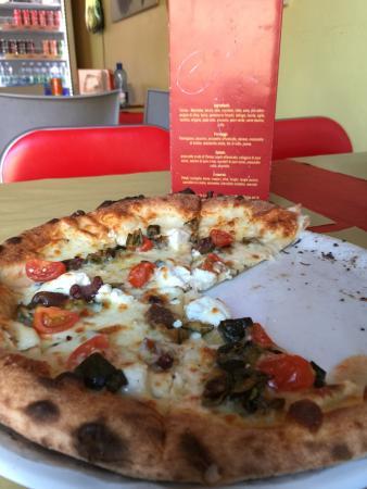 Donna Rosa pizzeria cucina carni alla griglia panini: photo0.jpg