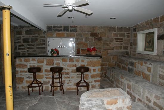Frostburg, MD: Original speakeasy from prohibition period.