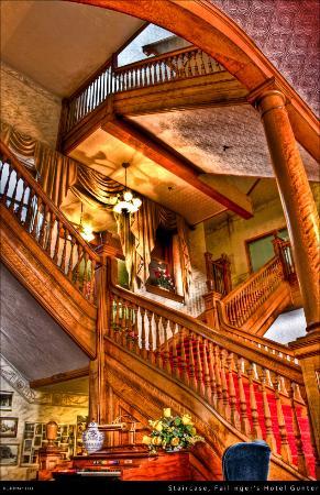 Gunter Hotel: Stunning picture of stair case