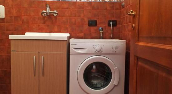 Lavatrice in bagno al piano terra - Picture of Residence Afrodite ...