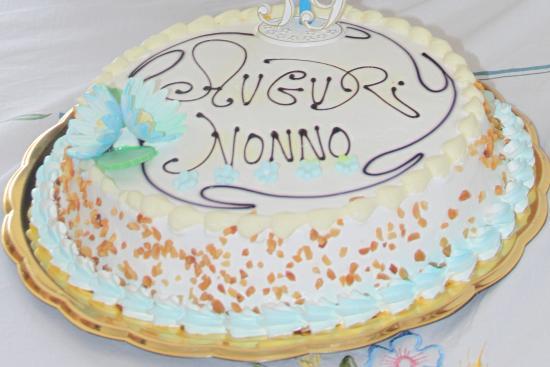 torta di compleanno nonno   Foto di Ideal Bar, Villa San Giovanni