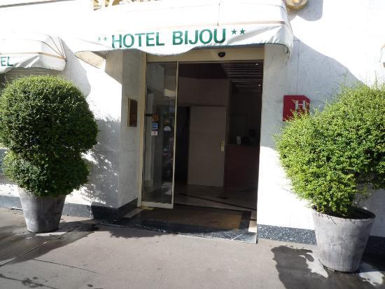 Salle de bain picture of bijou hotel boulogne for Salle de bain hotel