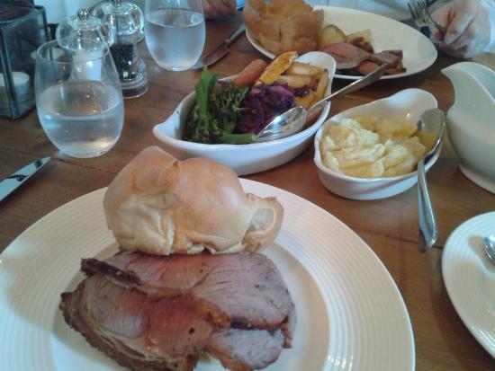 Tideswell, UK: Beef Roast Lunch