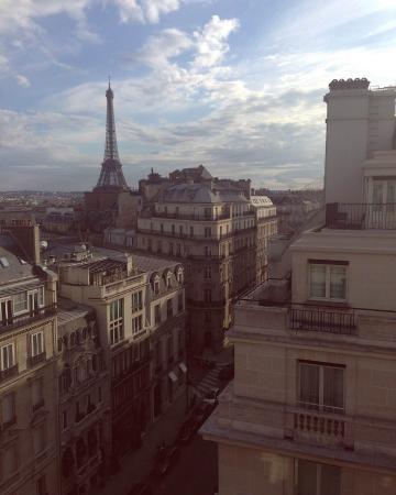 Four Seasons Hotel George V Paris: Вид из номера