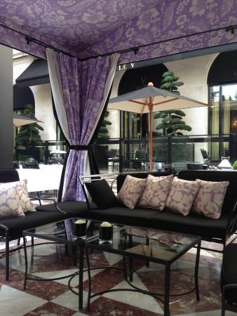 Four Seasons Hotel George V Paris: Ле Синк