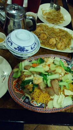 Mae's Chinese Restaurant