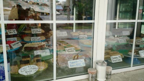DeLand, FL: Tasty Window
